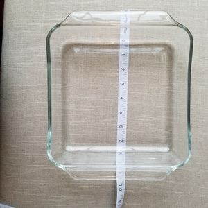 Set of 4 Pyrex dishes